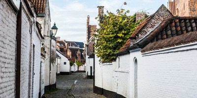 old-st-elizabeth-beguinage_27051358779_o.jpg